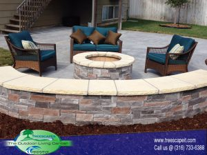 Seat wall and fire pit 1 300x225 - Fireplaces and Firepits